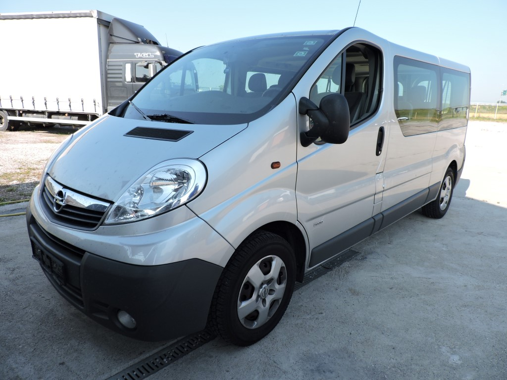otp leasing opel vivaro combi l2h1 2 0 cdti. Black Bedroom Furniture Sets. Home Design Ideas